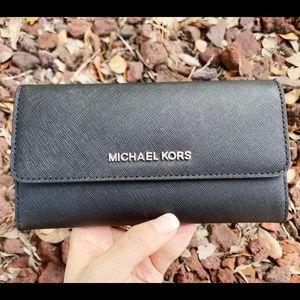 Michael kors large trifold wallet black